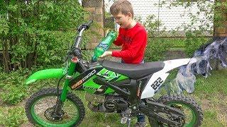 Арсений Заправил  брата Питбайк...Tucked my brother's pitbike!!! Брос Шоу