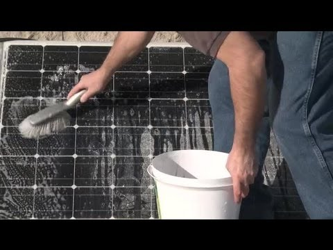 How to Maintain Solar Panels : Solar Panels
