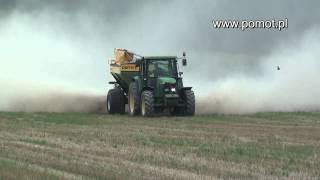 Traktor John Dere + Rozsiewacz nawozów i wapna POMOT  o ładowności 10 ton