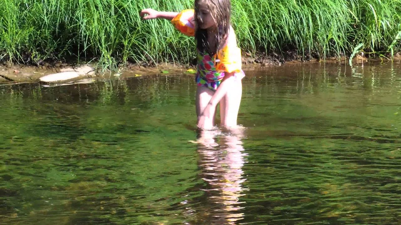 Kids playing and swimming in Yachats River - YouTube