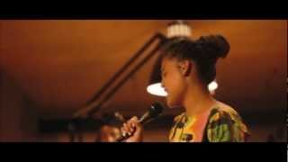 Agathe Iracema & Brazilian Music Band - Bala Com Bala.mov
