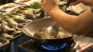 еда в тайланде фото, и не только фото но и видео о еде в таиланде(таиланде и в других странах азии применяют очень много специй при приготовлении еды и во вьетнаме и в тайла..., 2015-02-12T11:12:41.000Z)
