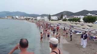Акула на пляже острова Крит Греция(май 2013., 2013-06-02T20:24:46.000Z)