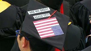 USA: kivonultak a diákok az alelnök beszédéről