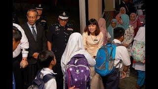 Polis masuk sekolah dua kali sebulan