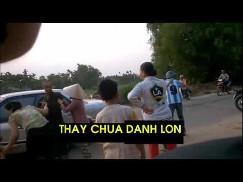 THAY CHUA DANH LON (thầy chùa đánh lộn)
