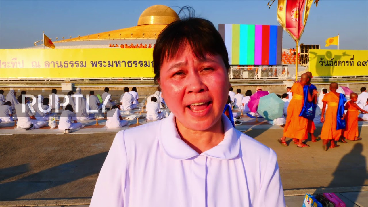 Thailand Buddhists Celebrate Full Moon Festival At Wat Phra
