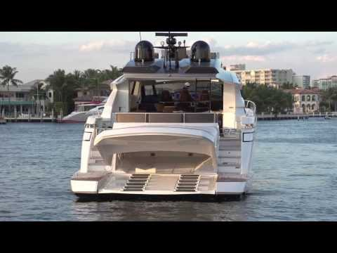 Luxury Yacht - Pershing 82