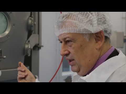 Александр Дрозденко посетил фармацевтический завод в Низино