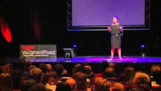 Sortir des clichés sur les cours d'écoles: Emmanuelle Piquet at TEDxVaugirardRoad 2013