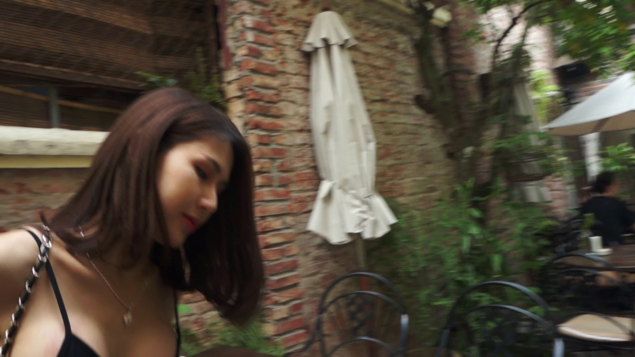Behind the scenes TVC hot girl Trâm Anh