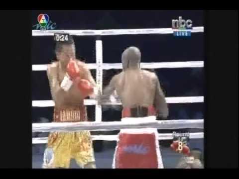 Pungluang Sor Singyu vs Paulus Ambunda 2013 03 02