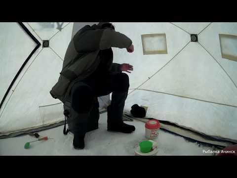КАРАСЬ АТАКУЕТ НОЧЬЮ ЗИМОЙ СО ЛЬДА зимняя рыбалка с ночёвкой