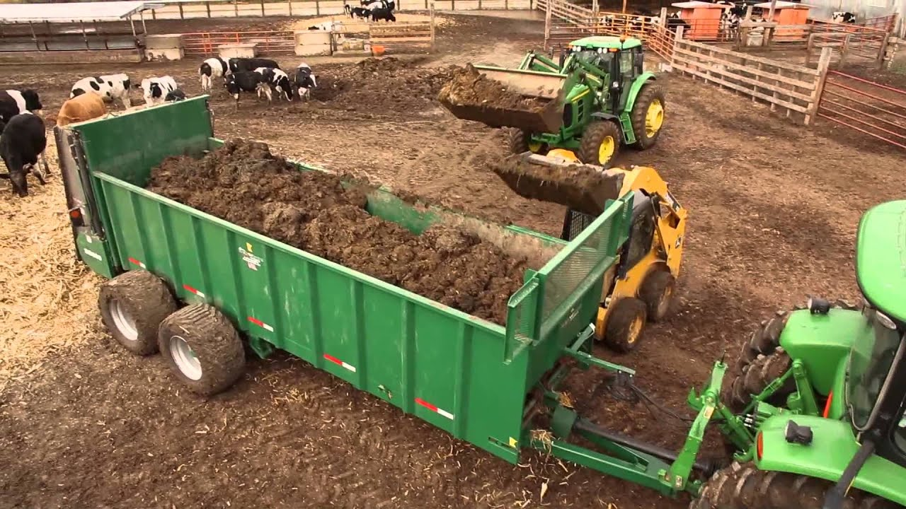 Working Manure Spreader : Artex manufacturing sb series manure spreaders youtube