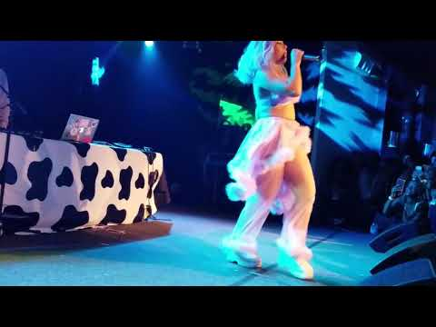 doja cat – juicy (unreleased) [live] – 10.17.18