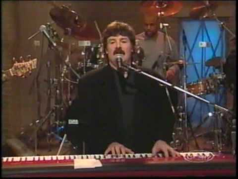 Burton Cummings - Break It To Them Gently (LIVE)