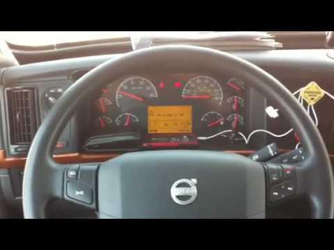 Automatic Semi Truck >> 2011 Volvo semi - YouTube