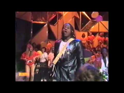 Gibson Brothers(with Legs & Co) - 'Marianna' Top Of The Pops 07.08.80.
