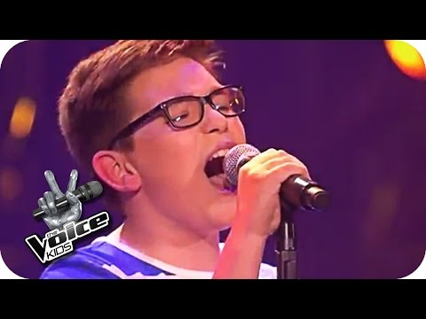 Joe Dassin  Les ChampsElysées Maxime  The Voice Kids 2016  Blind Auditions  SAT1