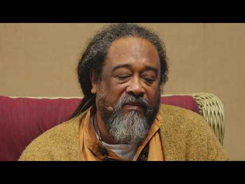 Sam Garrett - Jaya Gurudeva (Beloved Mooji Baba) - YouTube