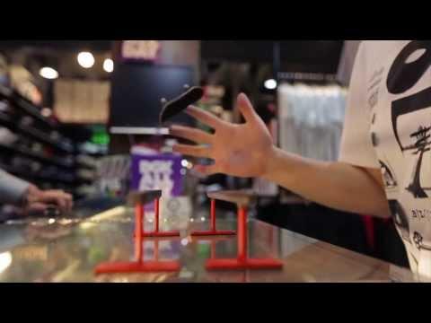 Trượt ván bằng 2 ngón tay siêu đỉnh luôn - cuoilenvn.com