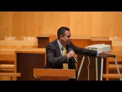 Pastor Mario Cruz