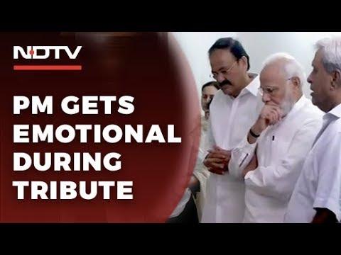 Sushma Swaraj Dies At 67. Emotional PM, Top Leaders Pay Tribute