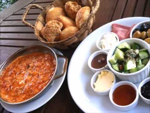Turkish Cuisine: What Is Menemen?