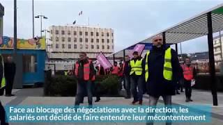 manifestation des salariés de Tupperware à Joué-lès-Tours