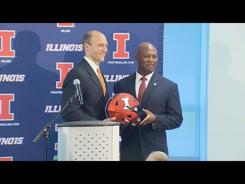 Lovie Smith officially introduced as Illinois head football coach