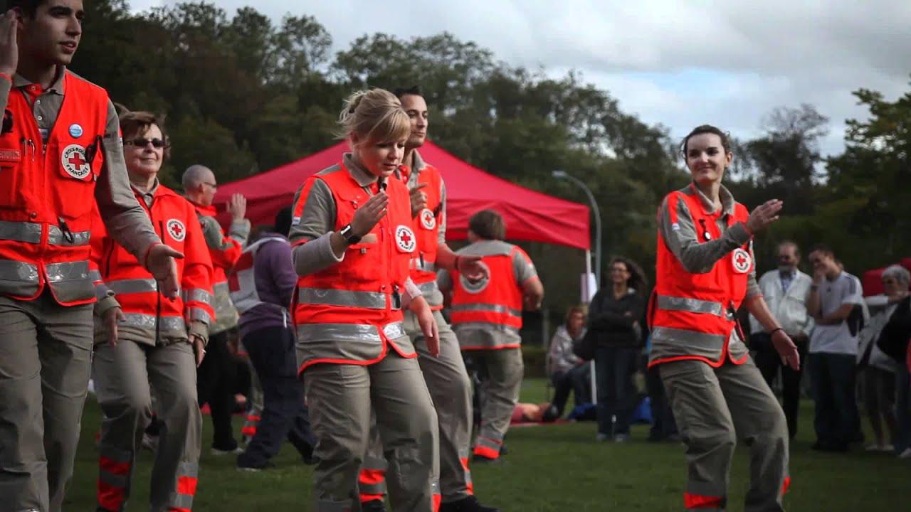 Flashmob Croix-rouge Fran U00e7aise D U00e9l U00e9gations De Ch U00e2tenay-malabry  Sceaux  Bourg-la Reine