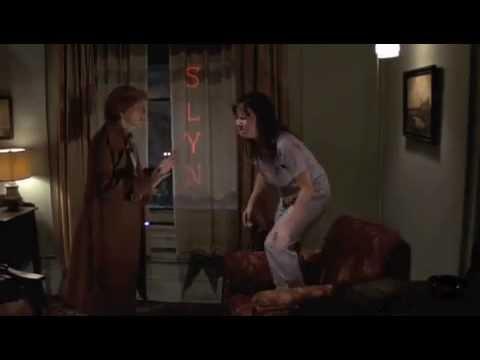 Scene from the moviesin bragas y a lo loco - 2 part 2
