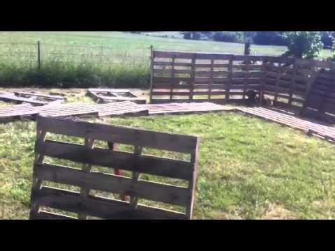 how to build a round pen out of pallets