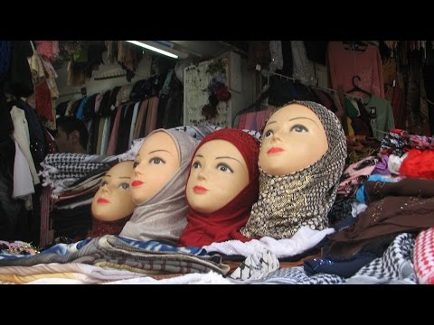 Sharia creeps into Ottawa City Hall: Sisterly solidarity demands self-subjugation?