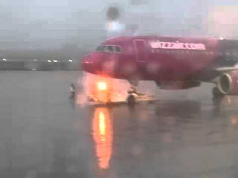 Onboard Airbus A320 Wizz Air (Safety Demo)
