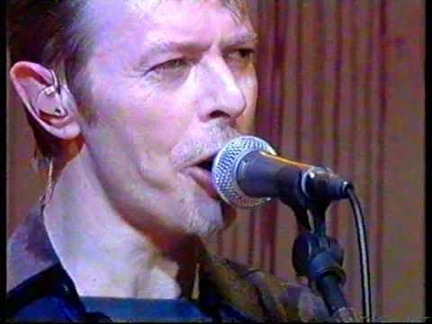 David Bowie 'Boys Keep Swinging' Live @ White Room 1995.