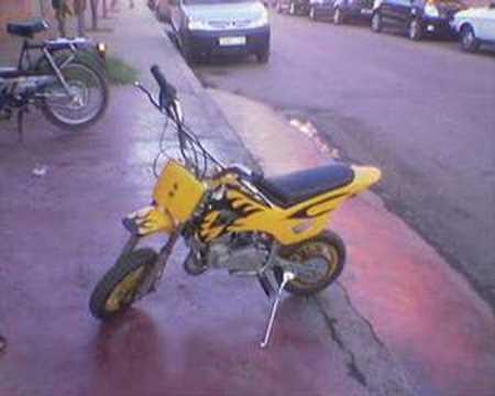 تشغيل دراجة نارية من نوع burgman ب cle usb     - YouTube
