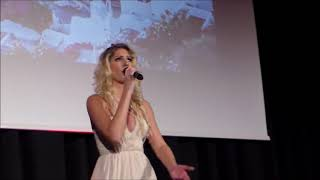 Daria Kinzer - Musical Mamma Mia (Abba) - The winner takes it all