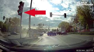Kobieta w oplu zablokowała skrzyżowanie