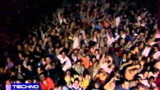 MANU LE MALIN mix a la techno parade de paris 1998