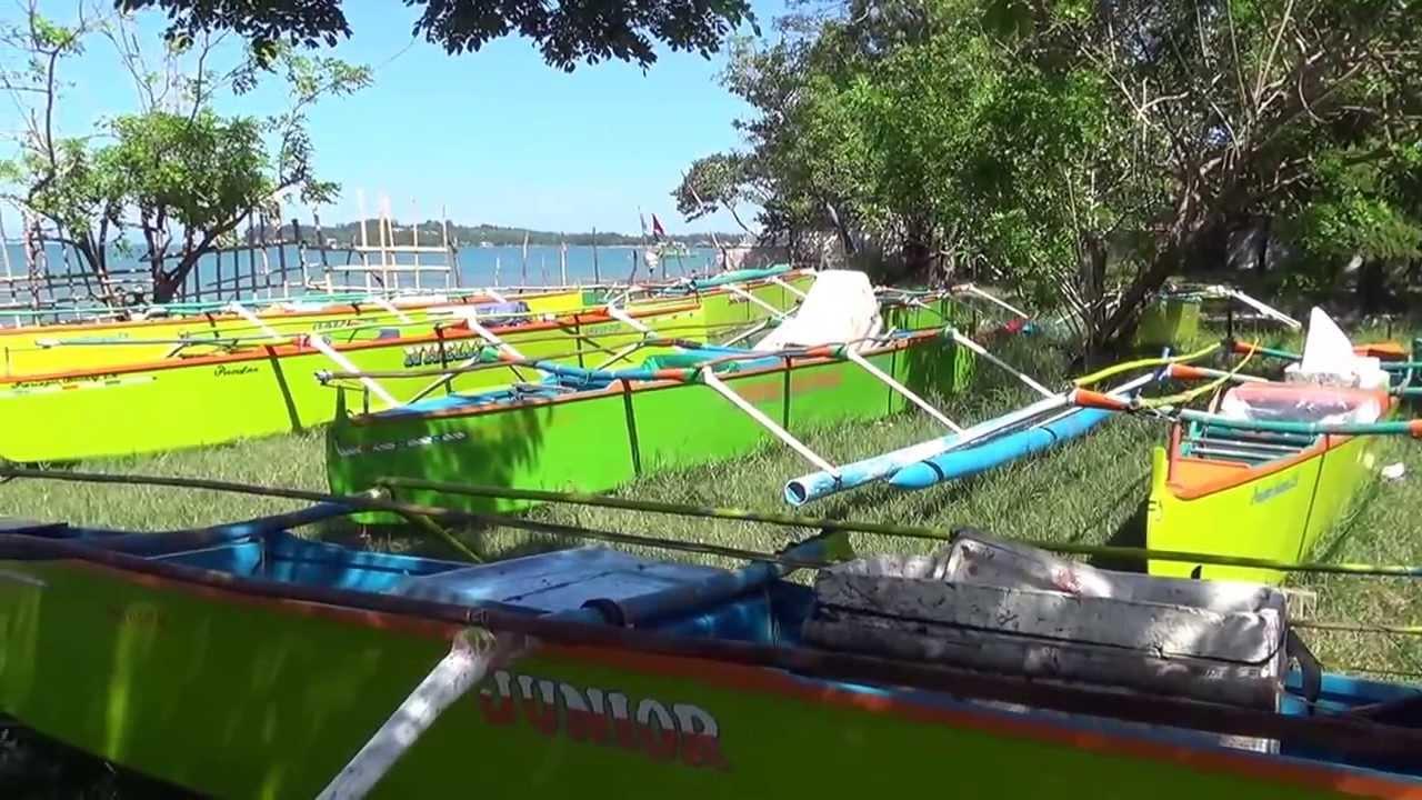 Boat Craftsmen Near Bali Hai Beach Resort Bauang La Union