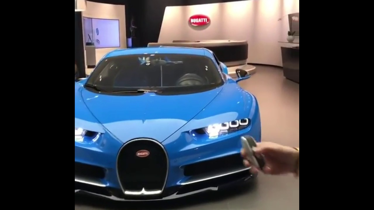 Supercarblondie Takes A Look And Starts Up The Bugatti Chiron