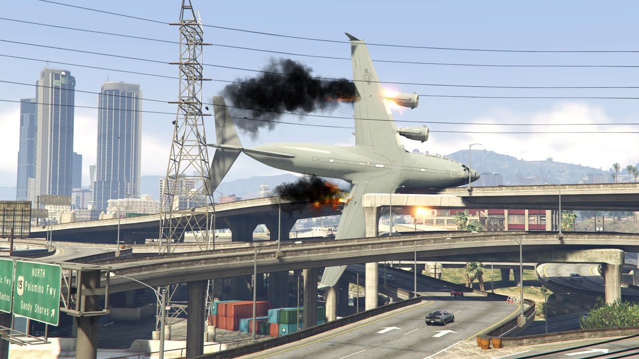 World's Heaviest C -17 Crashes On Highway Immediately After Take Off | GTA 5