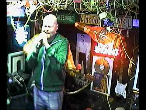 Martin singt You have killed me im Karaoke Fun Pub Stuttgart http://www.funpub.de