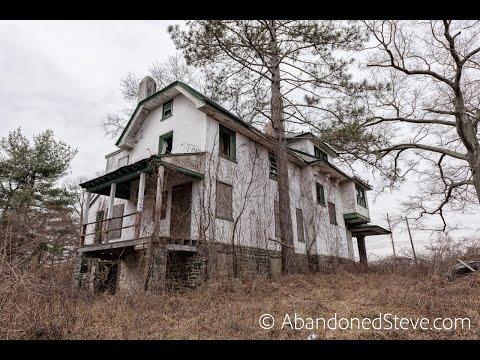 Exploring Abandoned WG House - Pennsylvania