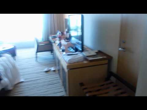 Tour of cheapest room @ Marina Bay Sands!