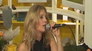 Magalie Madison présente son album 23H23 sur IDF1