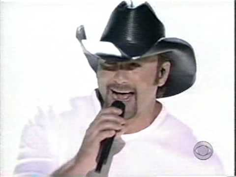 Tim McGraw - Live Like You Were Dying (LIVE)
