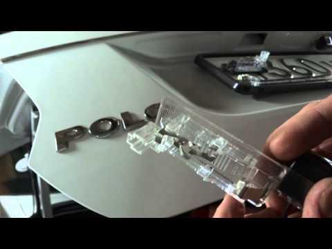 VW Polo Sedan / Установка камеры заднего вида в штатное место плафона