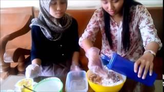 Pembuatan Sosis Ayam Kelompok E 30 FAPET UB 2012